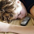 Veel computeren en bellen maakt pubers moe en ziek